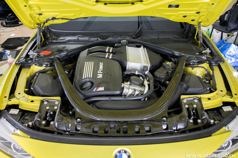 защитное покрытие фар автомобиля