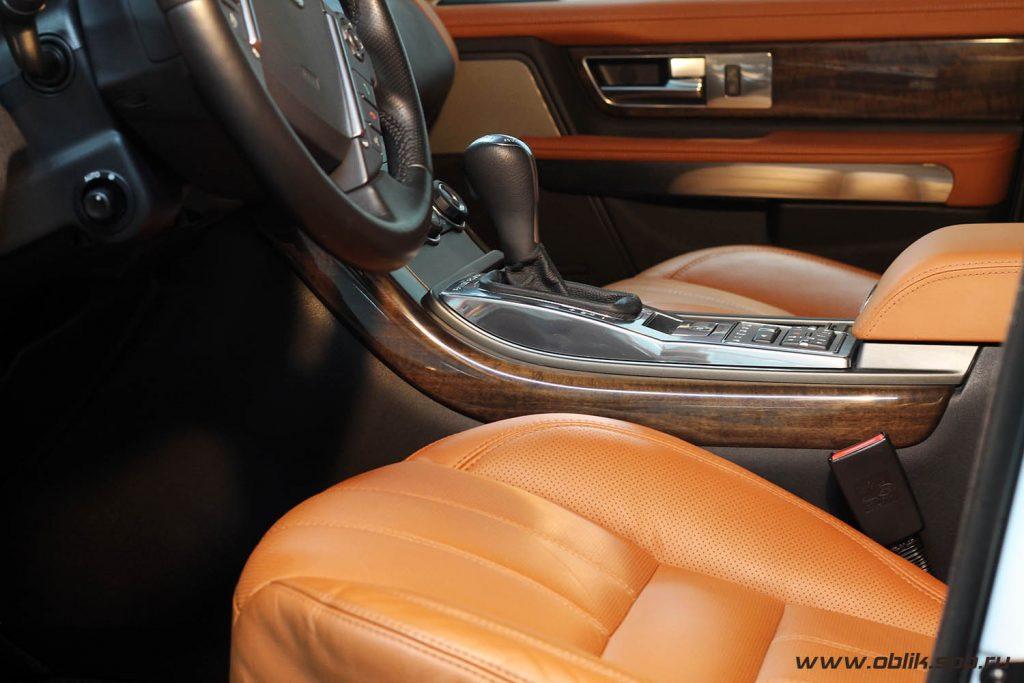 Легкая химчистка салона Range Rover Sport