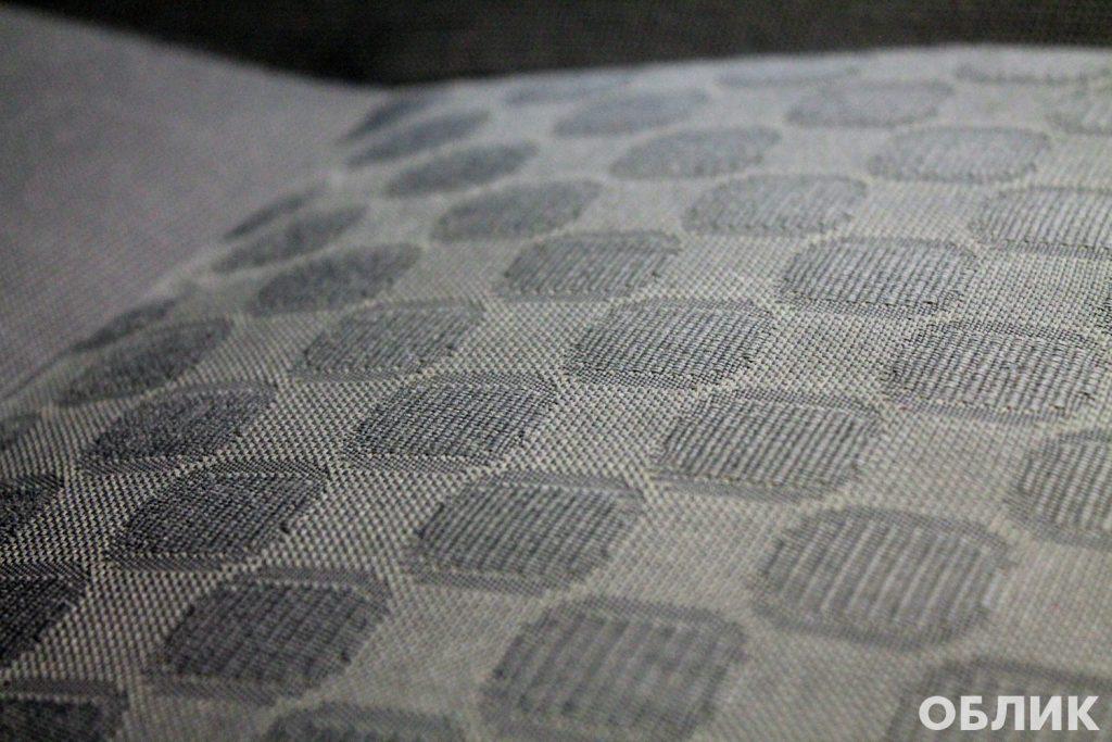 Сиденье после исправления некачественной химчистки салона